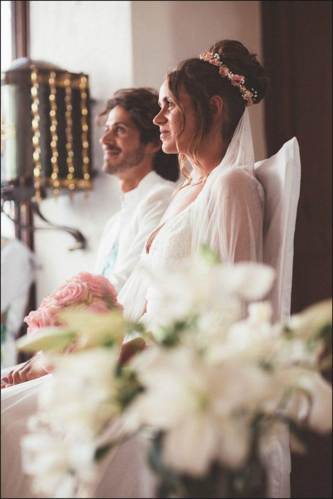 Mariage au Rayol Canadel mariés dans eglise