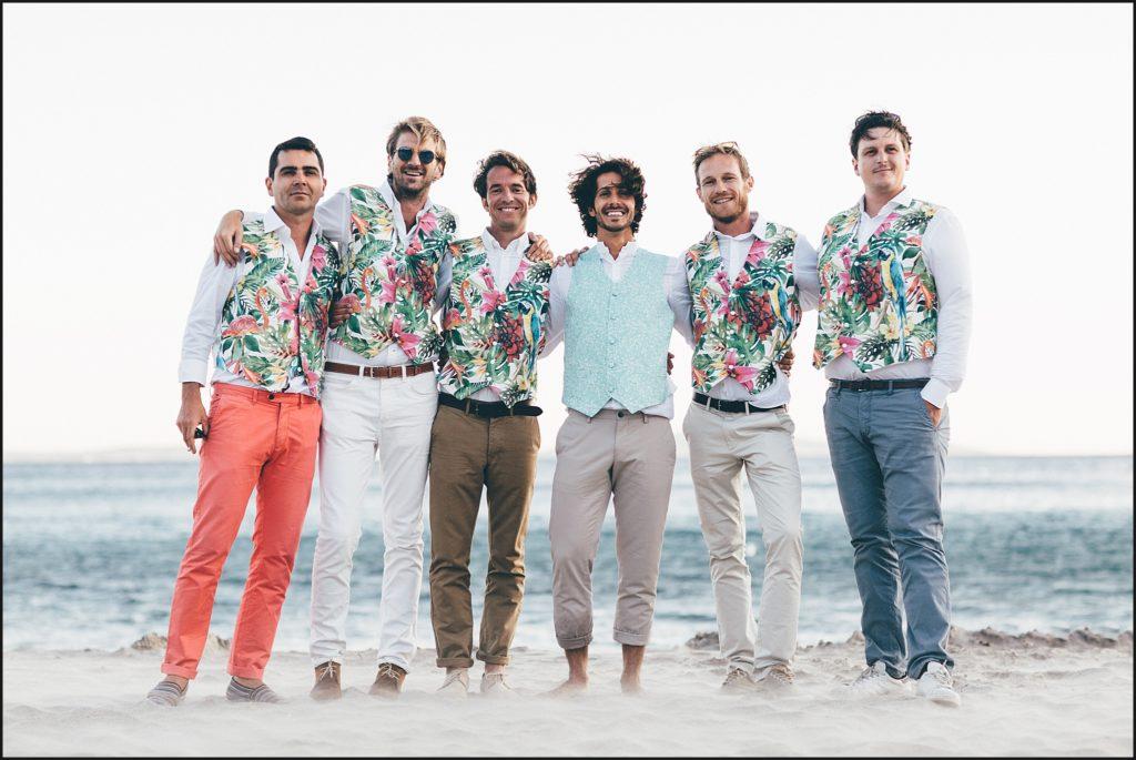 Mariage au Rayol Canadel photo témoins sur la plage