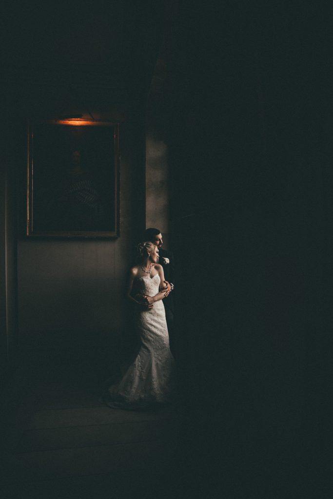 Mariage à Champlâtreux mariés dans le chateau