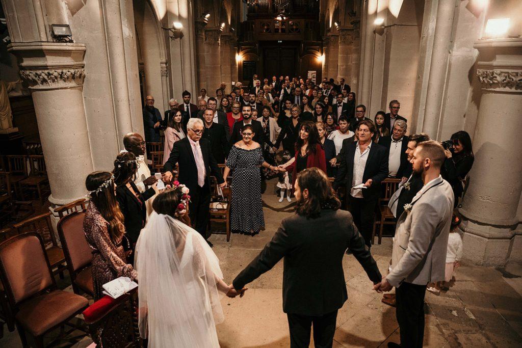 Mariage Ferme Armenon mariage main dans la main dans eglise