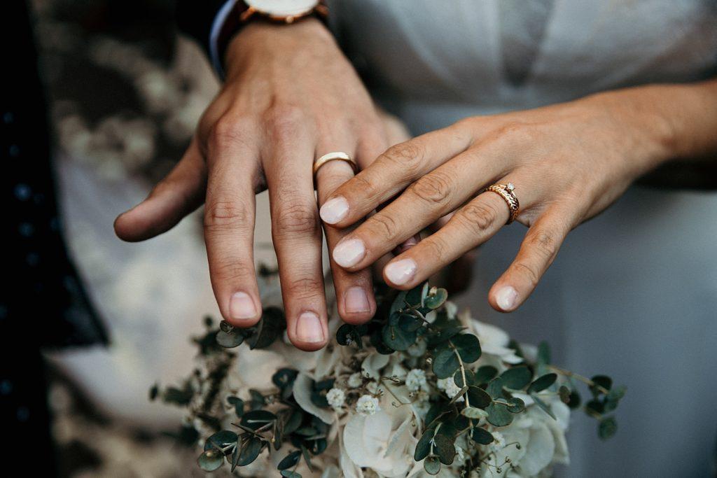 Mariage Ferme Armenon photo des alliances du mariage