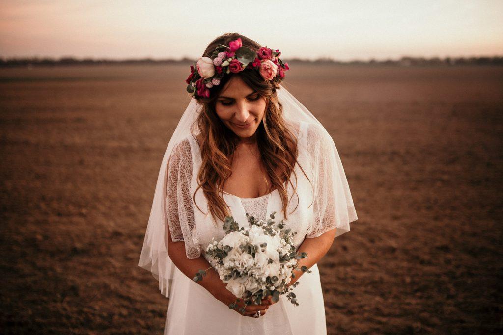 Mariage Ferme Armenon photo de la mariée et son bouquet