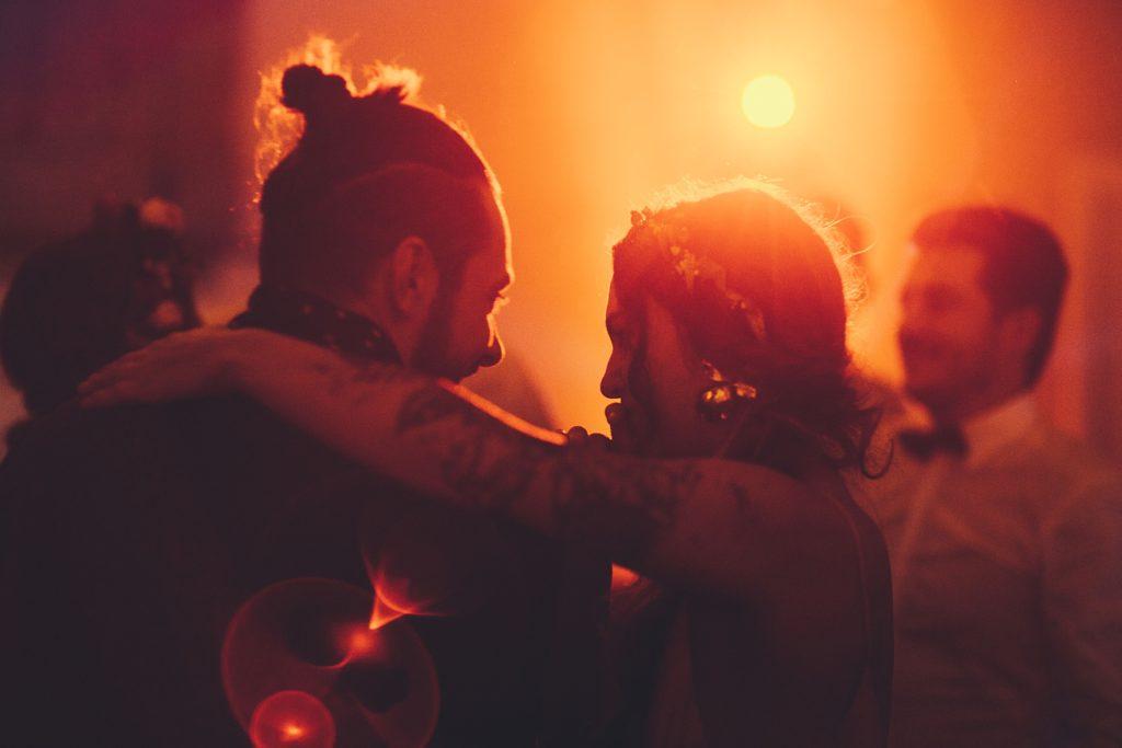 Mariage Ferme Armenon mariés danse photo couleur