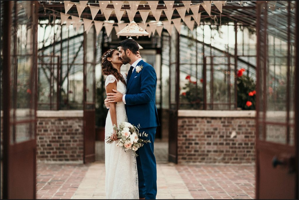 Mariage à Verderonne photo de couple amoureux dans la serre