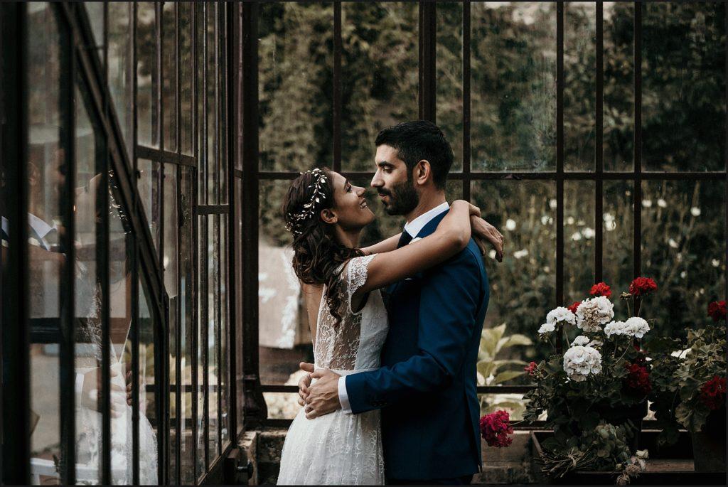 Mariage à Verderonne photo dans serre en amoureux