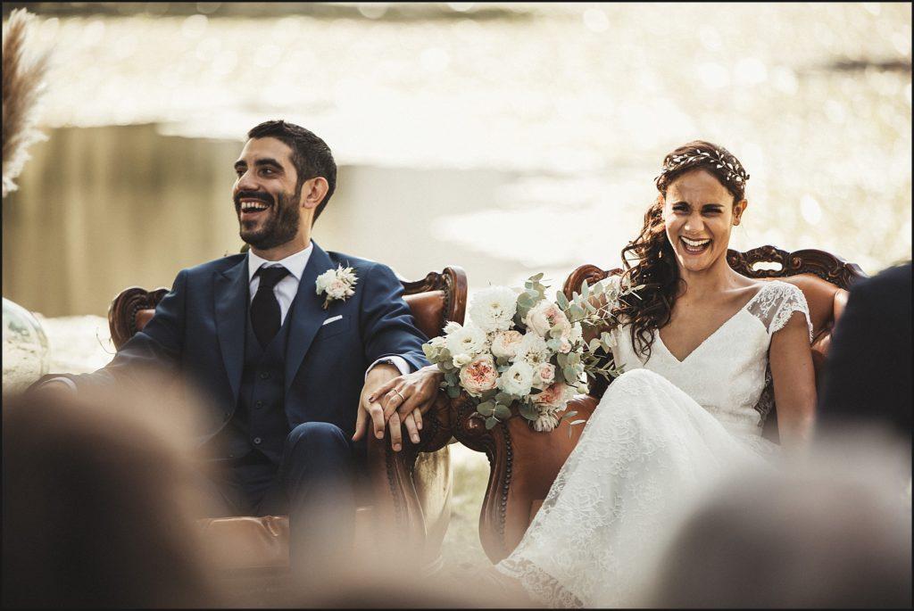 Mariage à Verderonne rires mariés pendant cérémonie