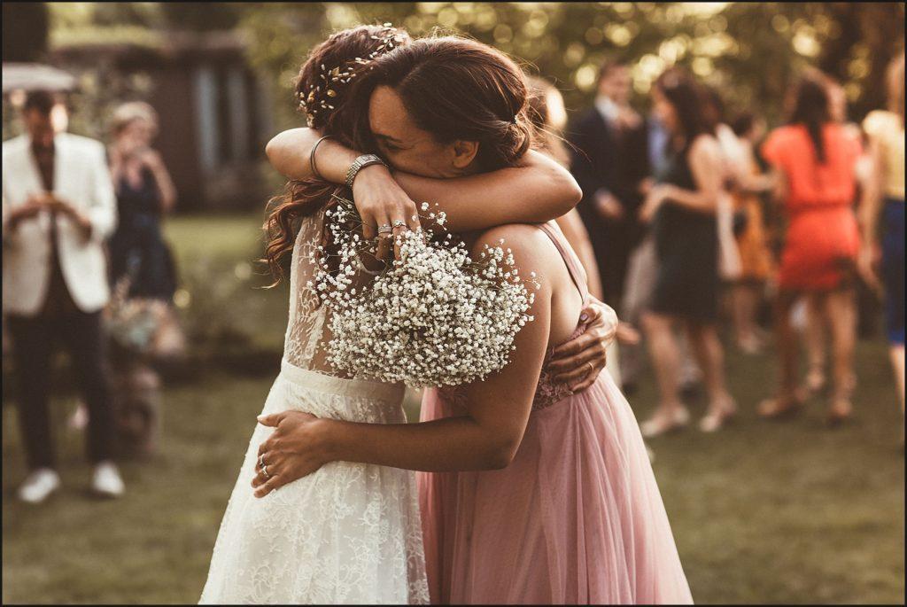 Mariage à Verderonne emotions entre soeurs