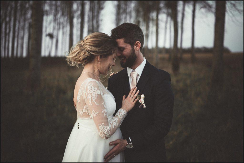 Mariage à la Ferme du Grand Hôtel du Bois photo de mariage avec mariée enceinte