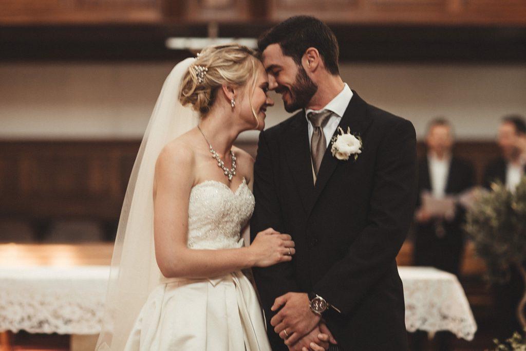 Mariage à Champlâtreux emotion dans eglise gouvieux