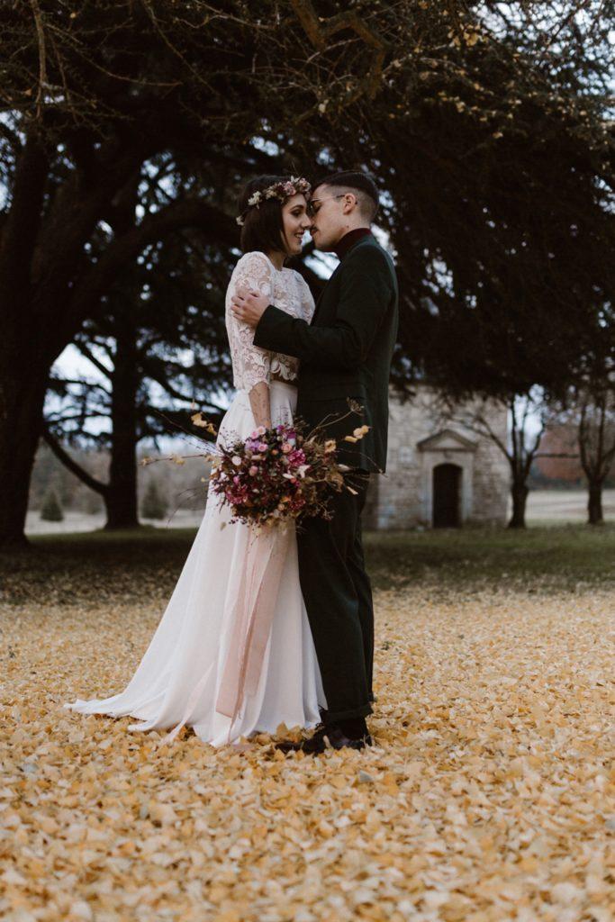 Mariage Moody photo de mariage en hiver tapis de feuilles jaune