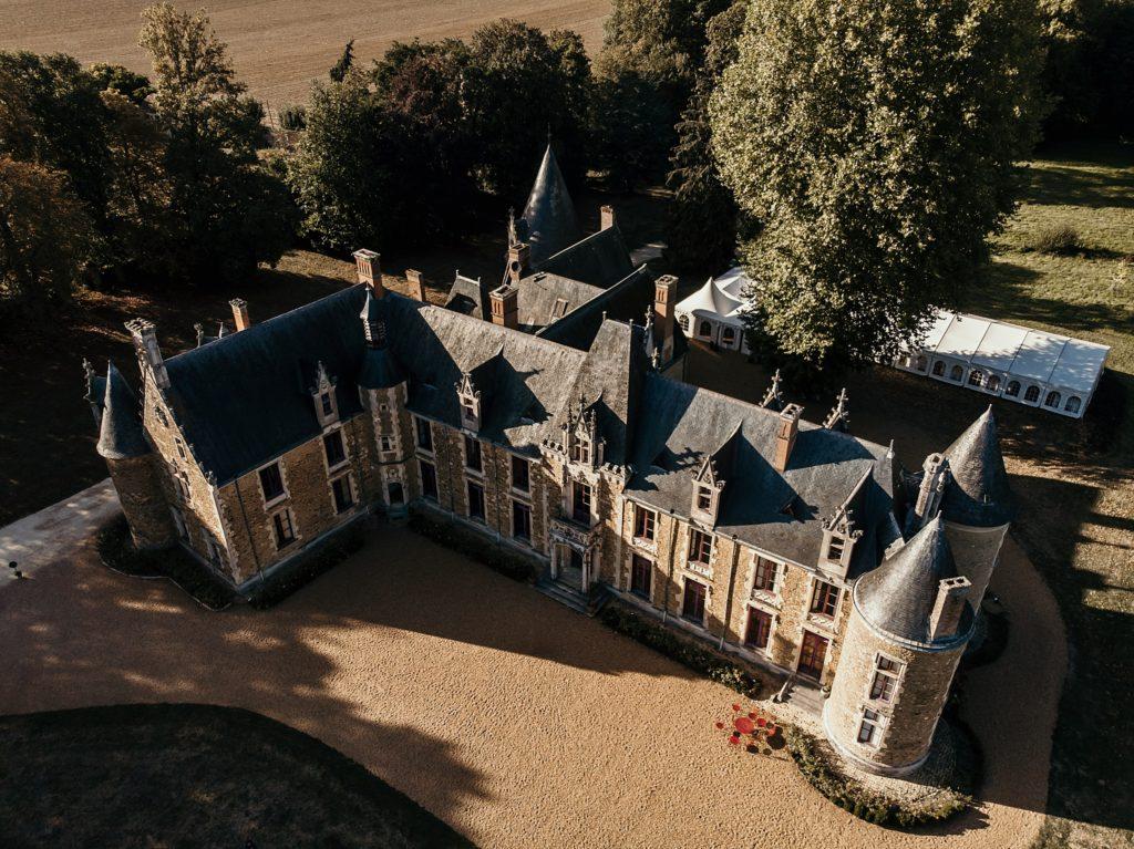 Photographe Mariage Le Mans vue aerienne au drone château chéronne