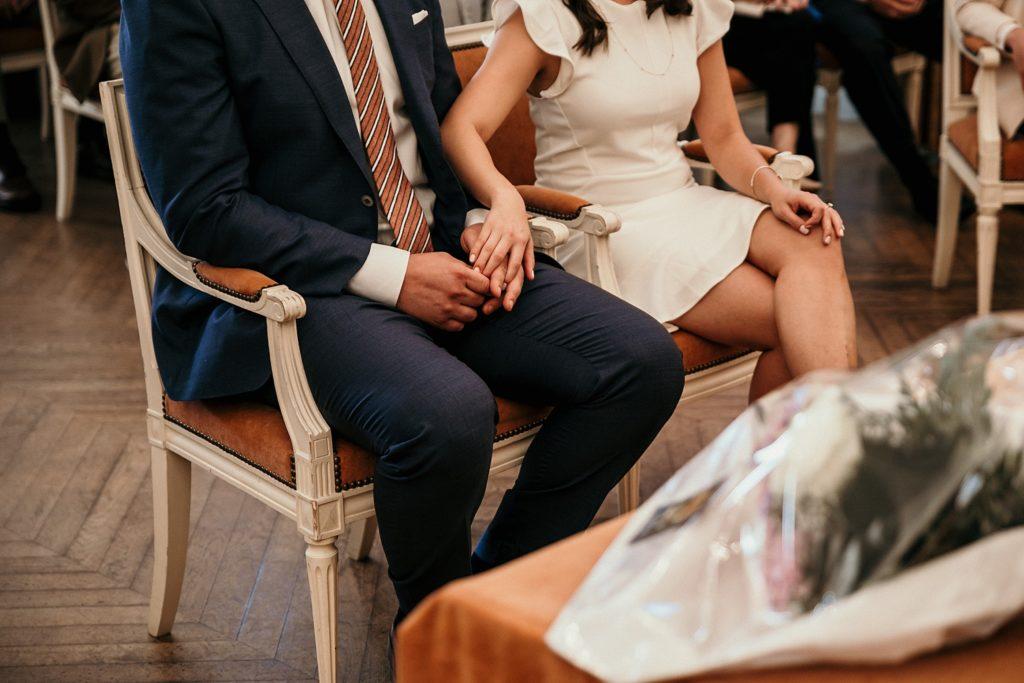 Mariage Rooftop Paris photographe mariage garches mains des mariés