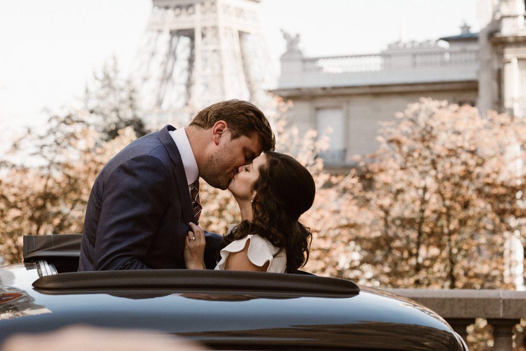 Mariage Rooftop Paris photographe mariage paris tour eiffel mariés en citroen