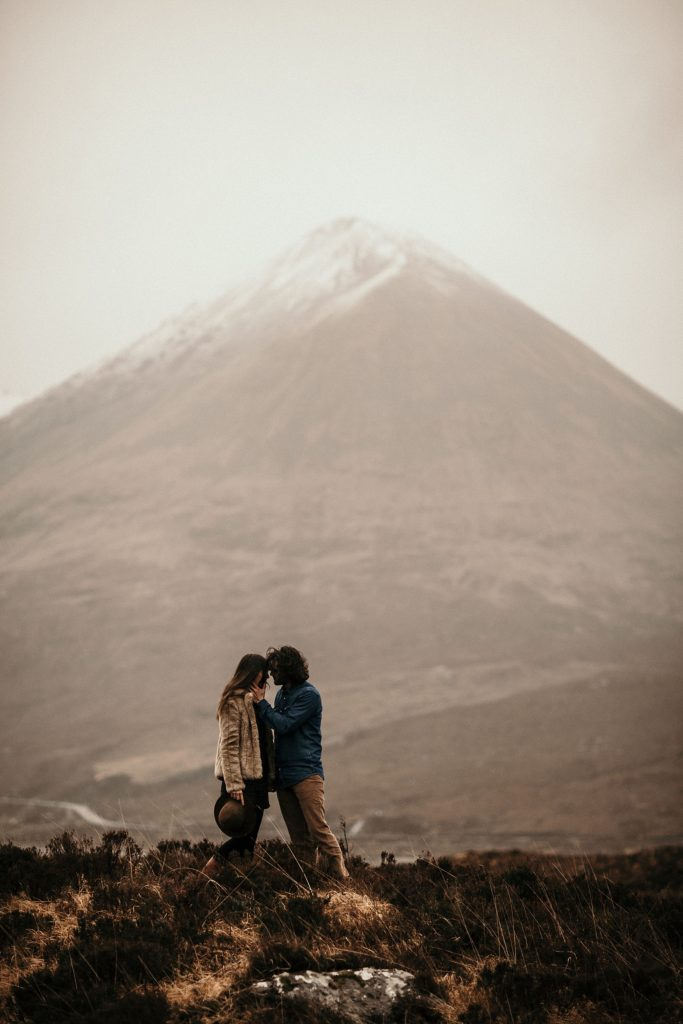 Wedding photographer Scotland lovers and moutain