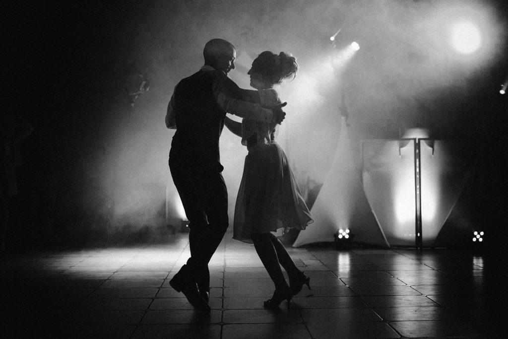 Photographe Mariage Prieuré de Vernelle danse tango