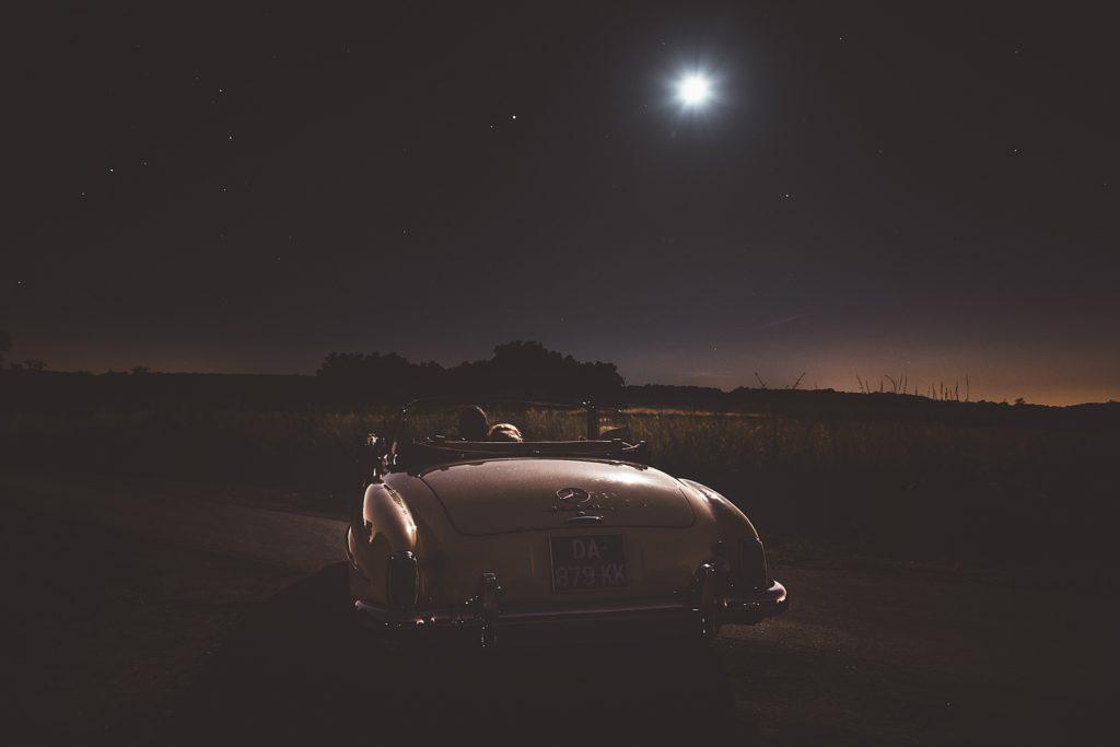 Photographe Mariage Prieuré de Vernelle photo voiture ciel etoilé