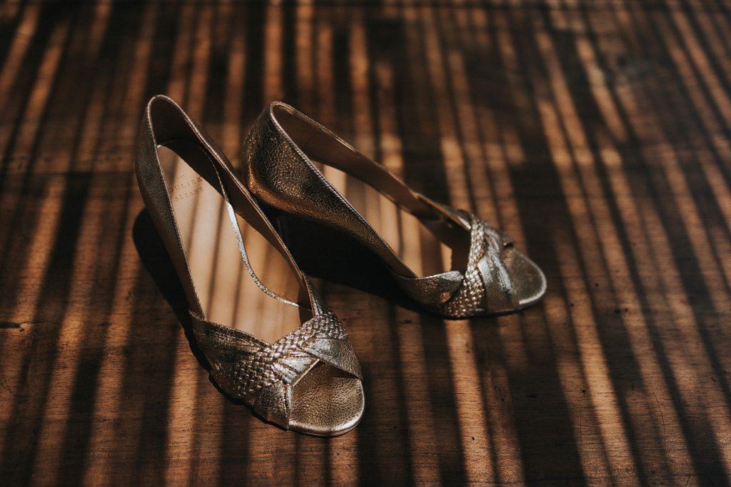 Un mariage à la plage chaussures de mariée var