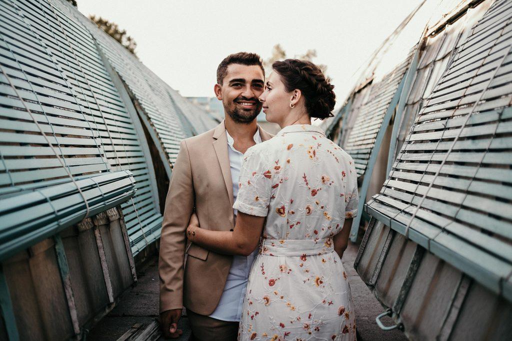 Séance engagement à Paris Serres d'Auteuil photo couple