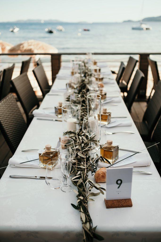 Photographe Mariage Lavandou décoration table mariage c beach avec mer