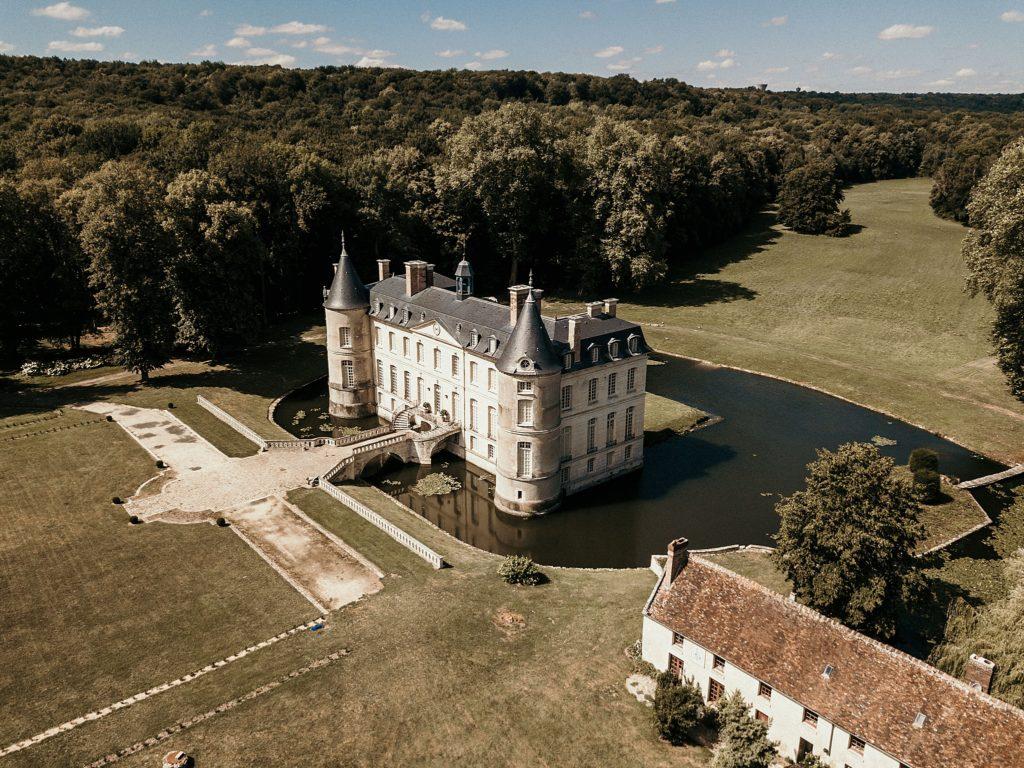 Lieux de mariage autour de Paris domaine Verderonne drone