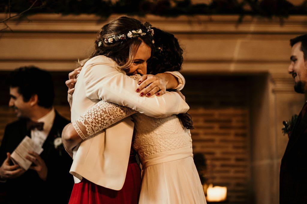 Se marier en hiver embrassade mariage