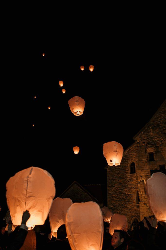 Se marier en hiver lancer de lanternes
