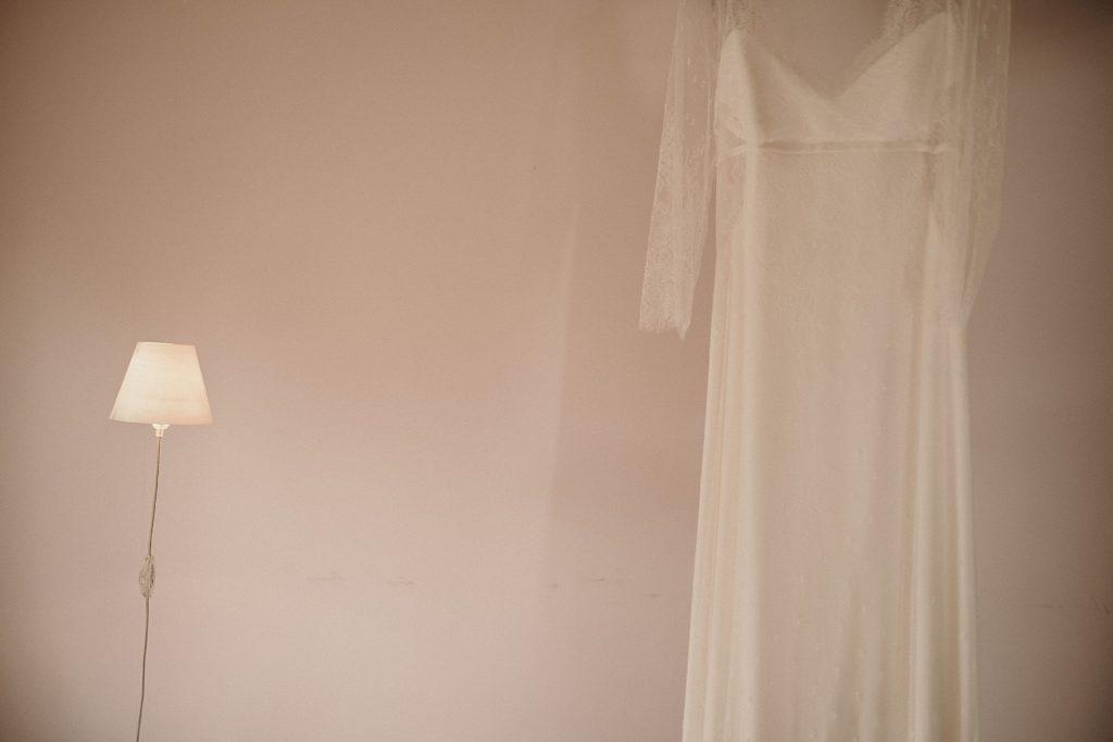 Cérémonie en extérieur robe de mariage paris