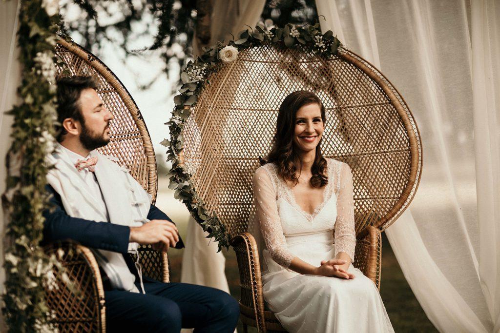 Cérémonie en extérieur fauteuils mariage