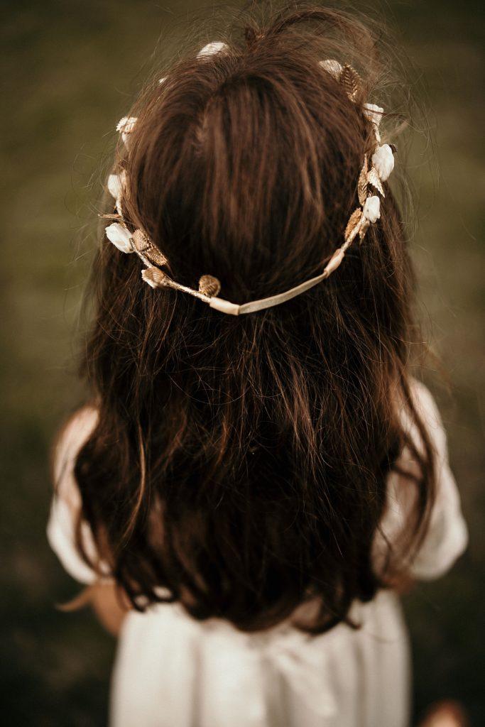 Cérémonie en extérieur couronne fleur enfant mariage
