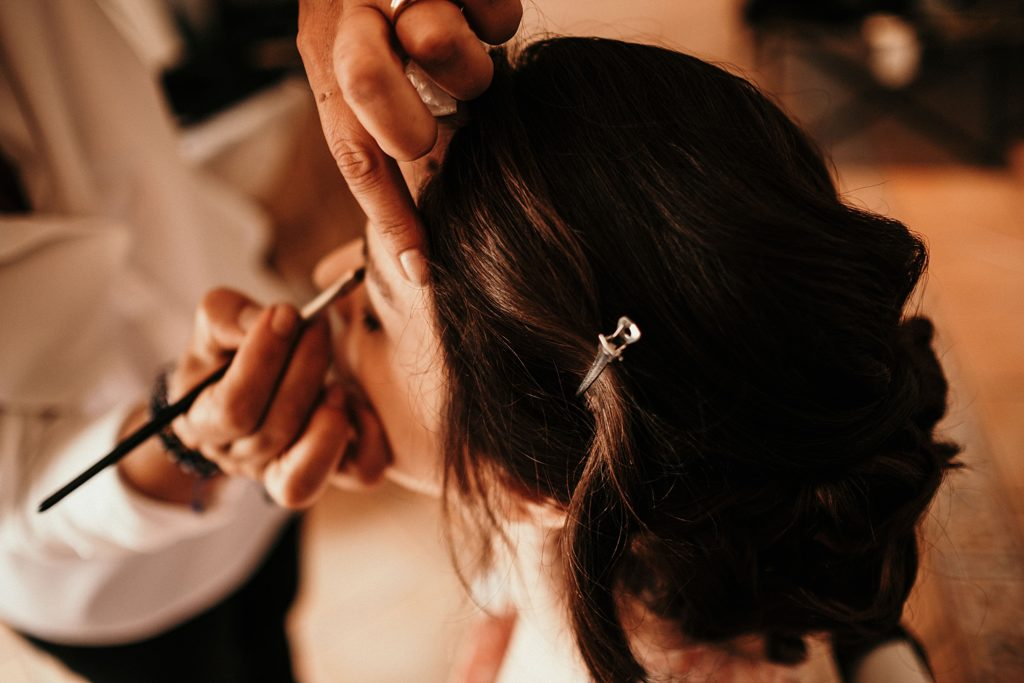Mariage à la Bergerie de Vaujoly coiffure mariage