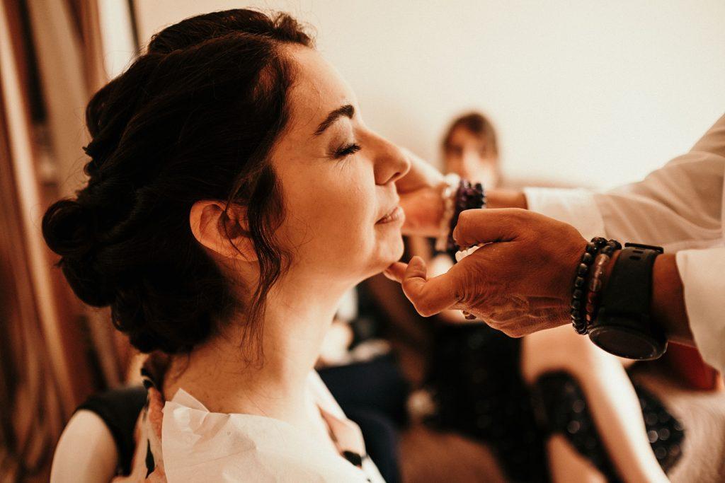 Mariage à la Bergerie de Vaujoly maquillage mariage