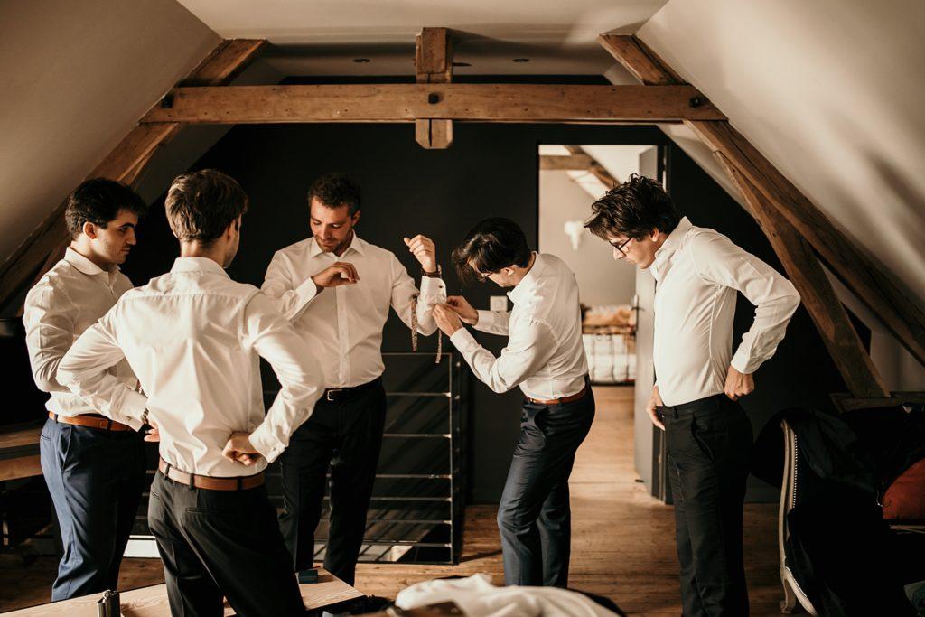 Mariage à la Bergerie de Vaujoly témoins habillent marié gite gravonnette
