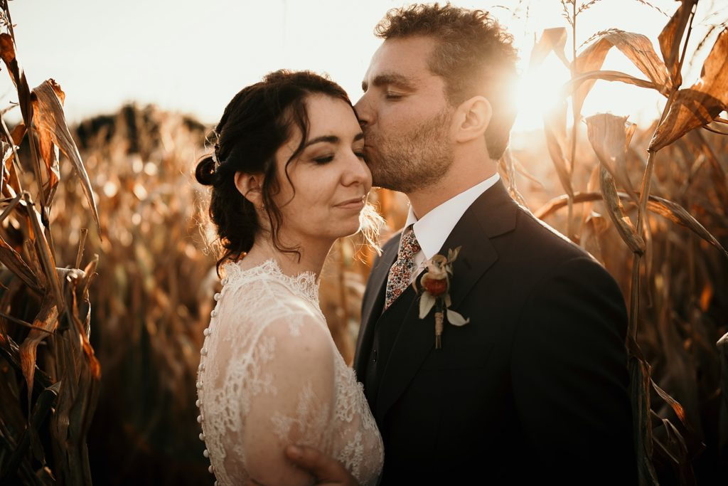 Mariage à la Bergerie de Vaujoly photo dans le mais